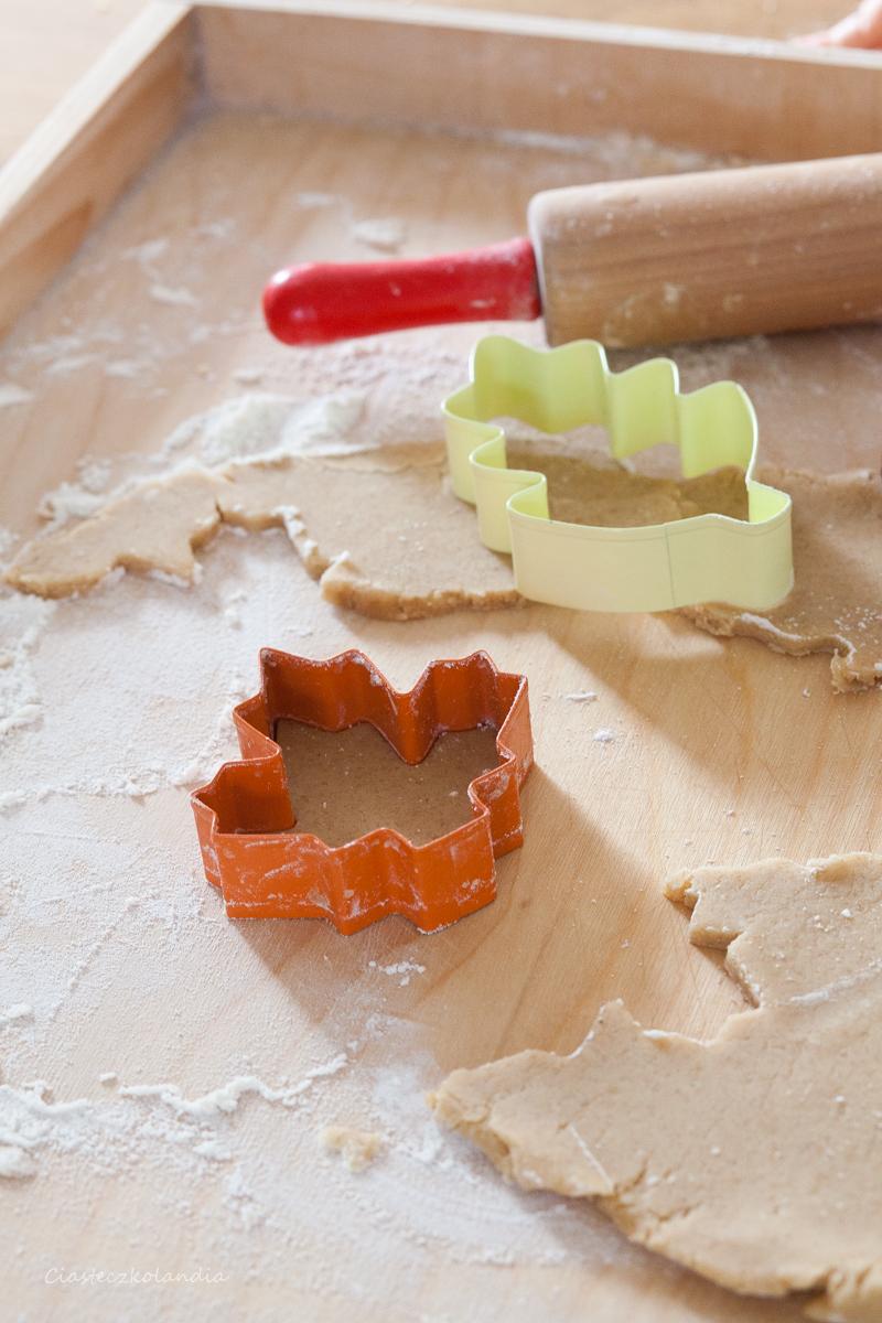 ciasteczka liście z syropem klonowym