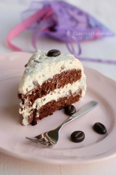 puszysty tort straciatella