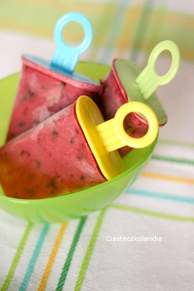 jogurtowe lody jagodowe