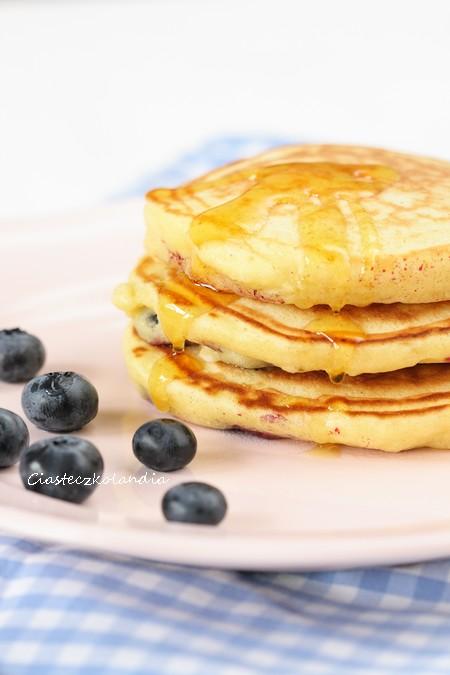 pancakes z borówkami amerykańskimi