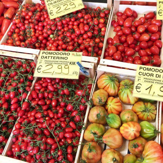 To co po pomidorku na niadanko?    tomatotomatospomidorypomodorostraganciasteczkolandianawakacjachciasteczkolandia