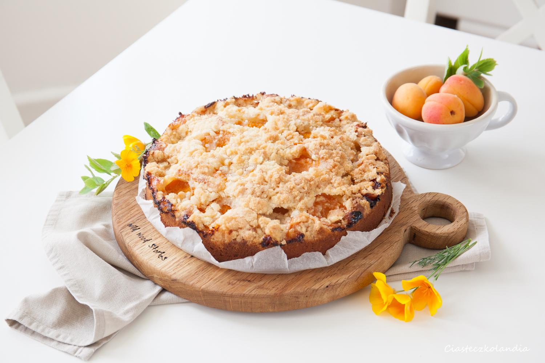 proste i pyszne ciasto z morelami na kefirze jogurcie
