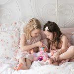 Pościelowe opowieści o lalkach