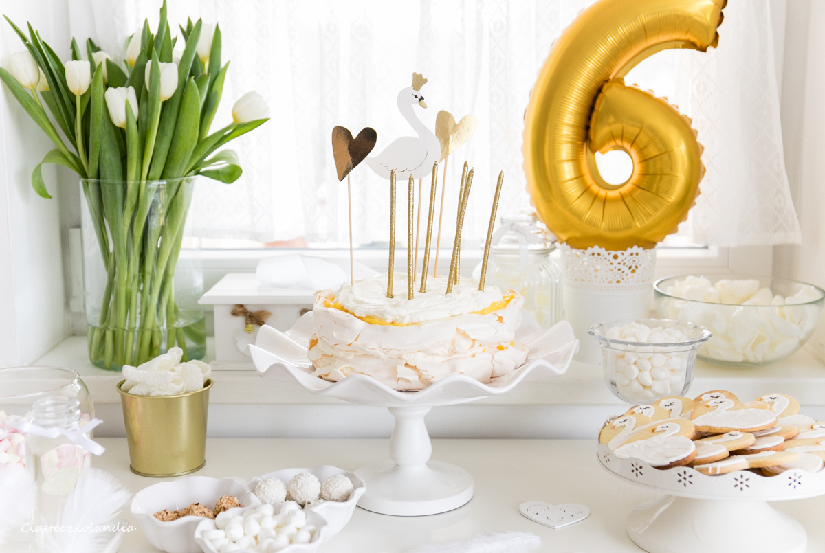 tort bezowy z lemon curd, lemon curd Pavlova
