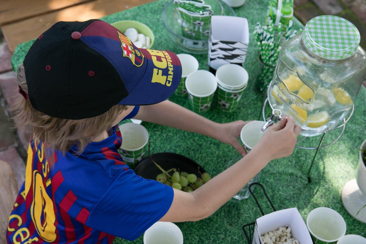 piłkarskie urodziny, soccer party, inspiracje urodzinowe dla dzieci, pomysł na urodziny, urodziny z motywem piłki nożnej