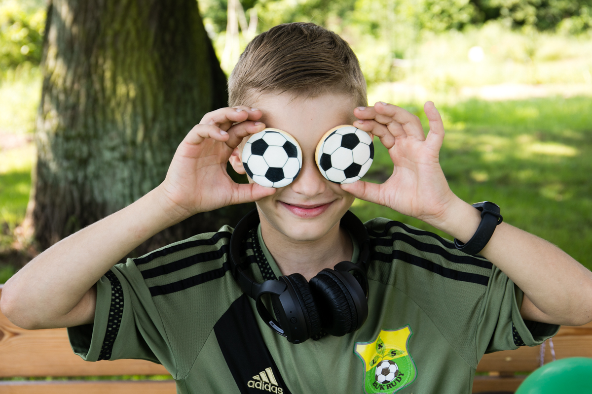 piłkarskie urodziny, soccer party, inspiracje urodzinowe dla dzieci, pomysł na urodziny, urodziny z motywem piłki nożnej,  ciasteczka piłki nożne, ciasteczka piłkarskie, soccer cookies